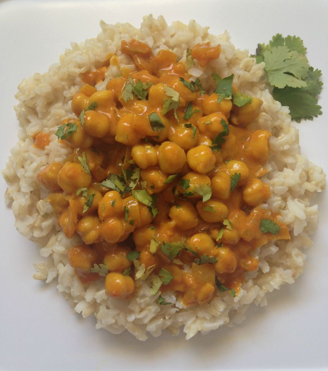 Chickpeas in Turmeric and Coconut Milk Sauce